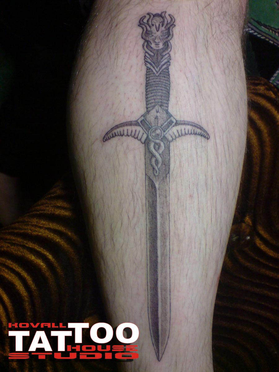 Фото тату меча на руке